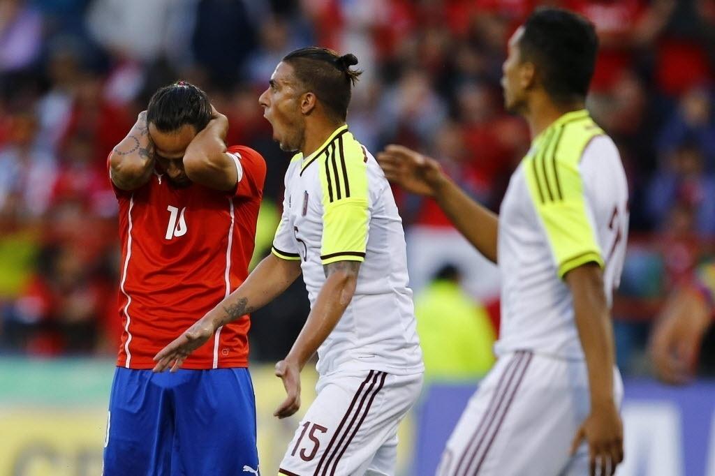 Valdivia lamenta erro durante a partida amistosa entre Chile e Venezuela
