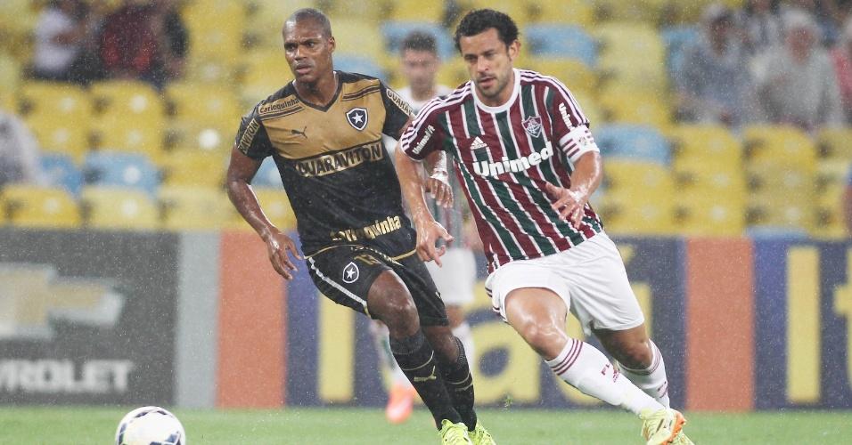 Fred passa pelo botafoguense André Bahia