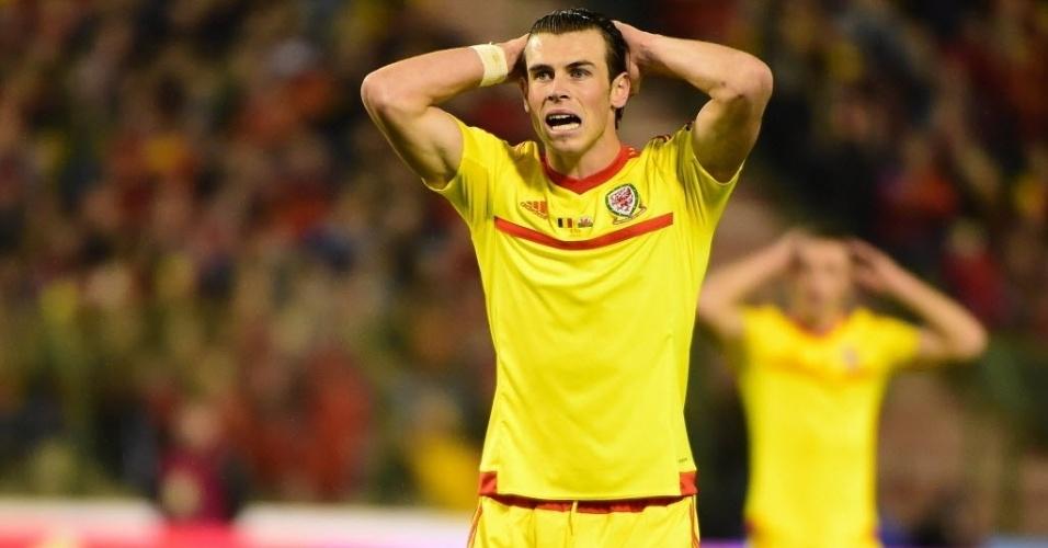 16.nov.2014 - O galês Gareth Bale lamenta chance perdida em partida contra Bélgica, pelas Eliminatórias da Eurocopa