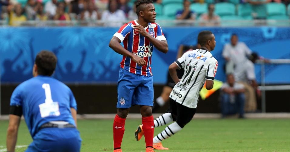 Malcom corre para comemorar o primeiro gol do Corinthians contra o Bahia