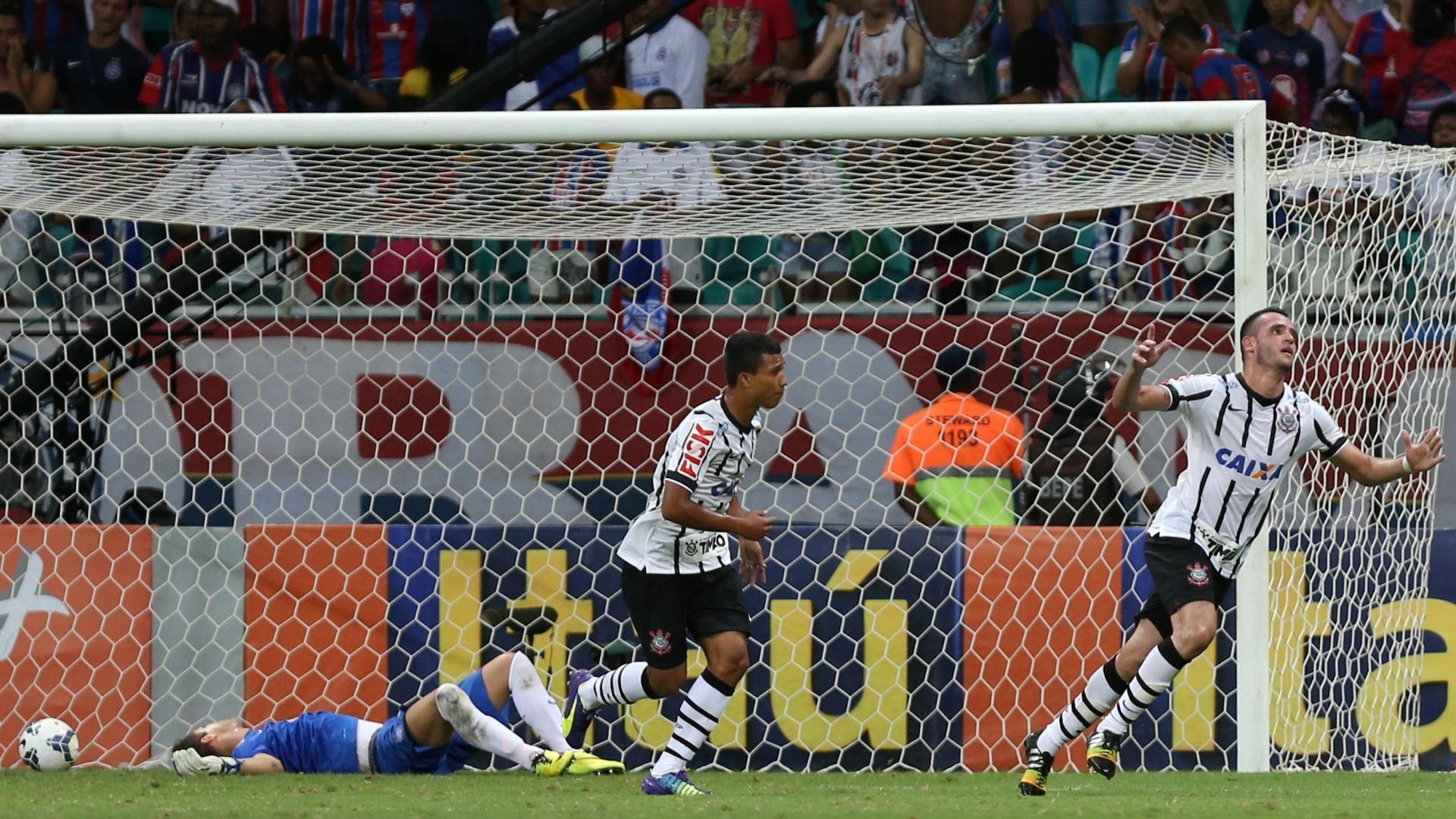 Renato Augusto comemora gol da vitória do Corinthians sobre o Bahia