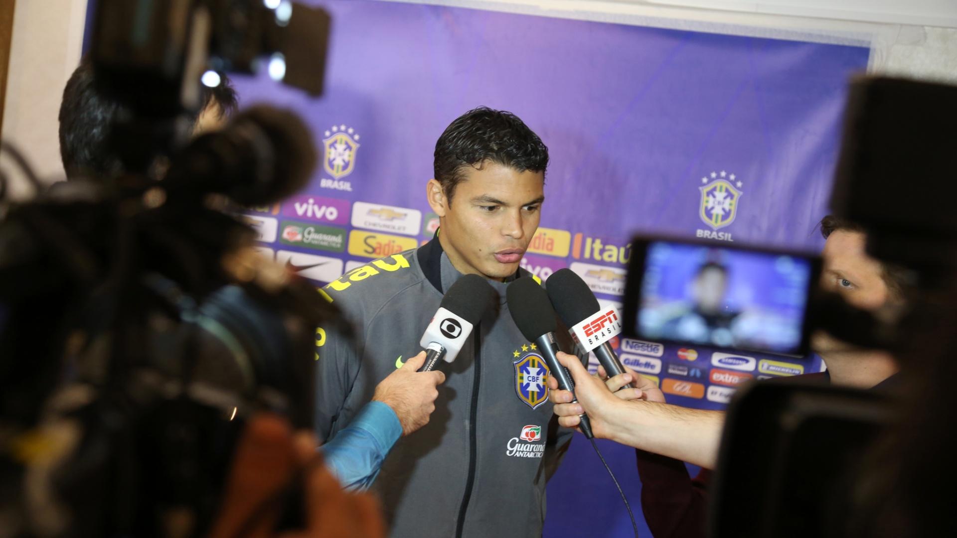 Thiago Silva reclamou por ir para a reserva. Dois meses antes, Maicon havia sido cortado da seleção