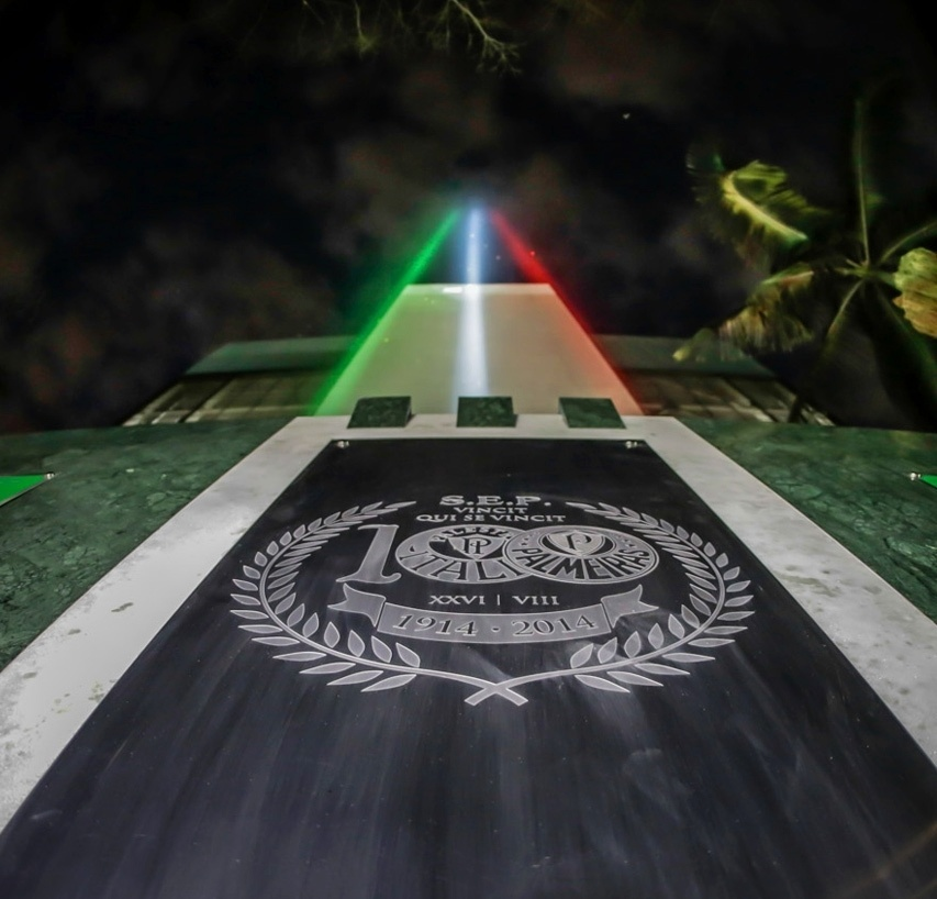 Canhão de luz foi instalado na arena do Palmeiras e será ligado em todos jogos do time