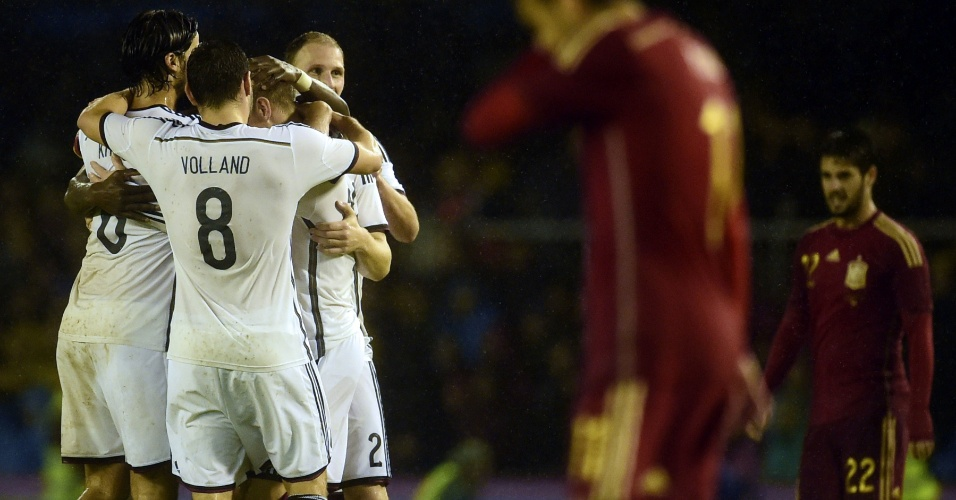 Alemanha venceu a Espanha com gol no final do amistoso
