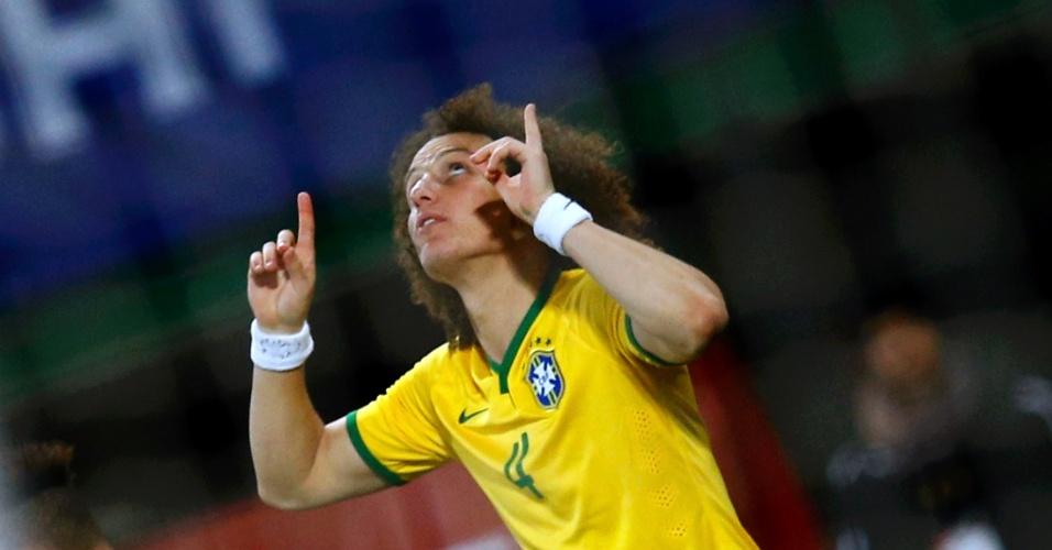 David Luiz comemora gol do Brasil contra a Áustria