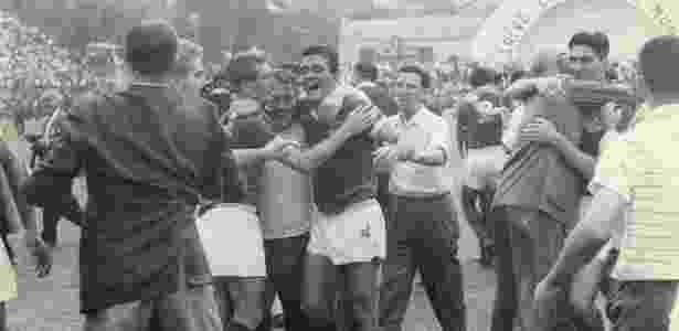 Palmeiras levou a melhor sobre o Santos na final do Paulistão de 1959  Imagem  Folhapress b9c315db1a254