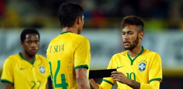 Neymar e Thiago Silva são amigos e jogam juntos na seleção - HEINZ-PETER BADER / REUTERS