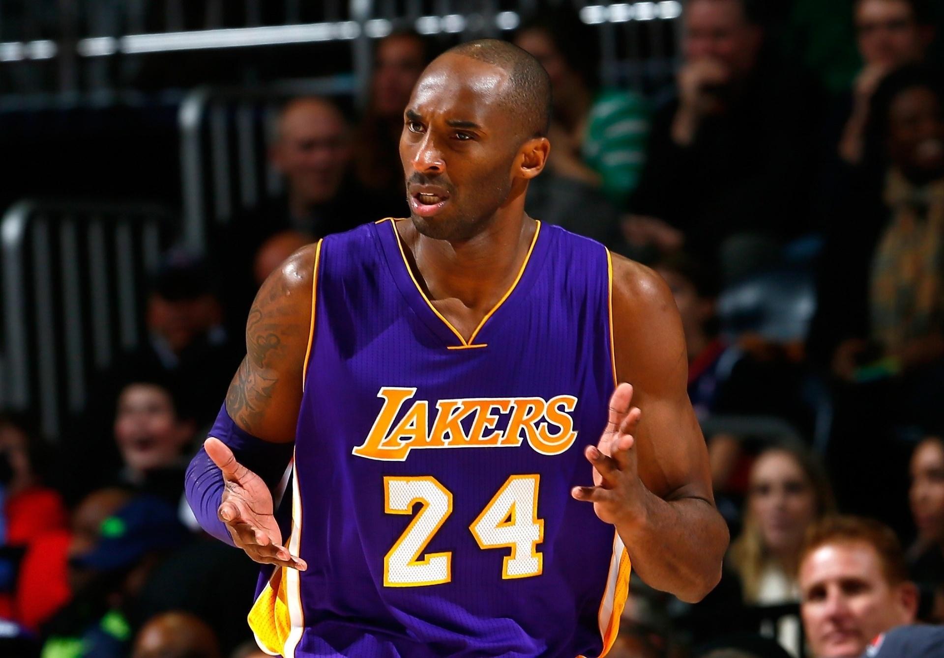 c1b1aa5d0 Kobe volta a citar papel higiênico para criticar comportamento dos Lakers -  08 01 2015 - UOL Esporte