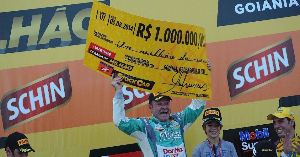 Aos 42 anos, Rubens Barrichello está perto de conquistar o título da Stock Car