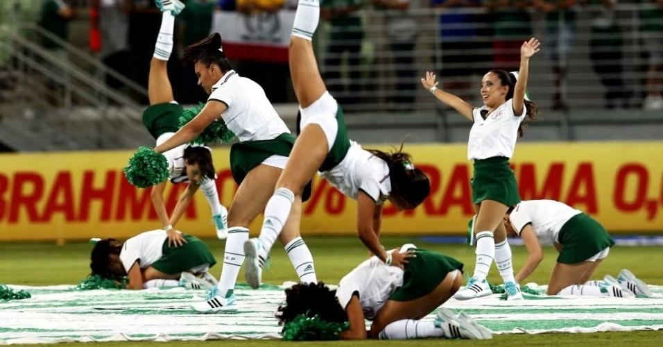 Cheerleaders do Palmeiras fazem apresentação em inauguração da Arena Palestra