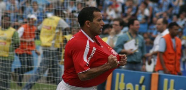 Autor do passe para o gol histórico de Adriano Gabiru, Iarley pode fazer parte do departamento de futebol Colorado