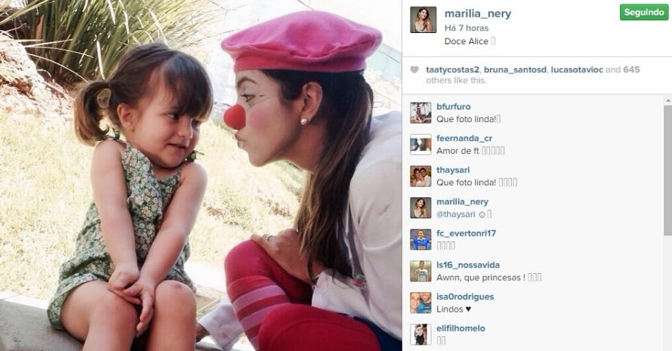 20 nov 2014 - A esposa de Everton Ribeiro, Marília Nery, atua como voluntária no grupo
