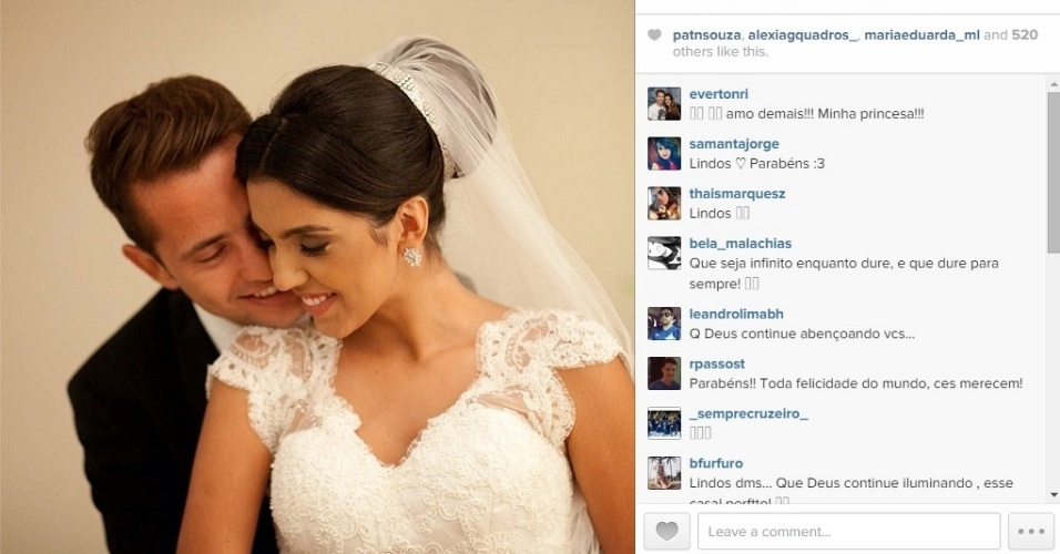20 nov 2014 - Meia-atacante Everton Ribeiro, do Cruzeiro, e Marilia Nery Ribeiro, que se casaram há quase um ano