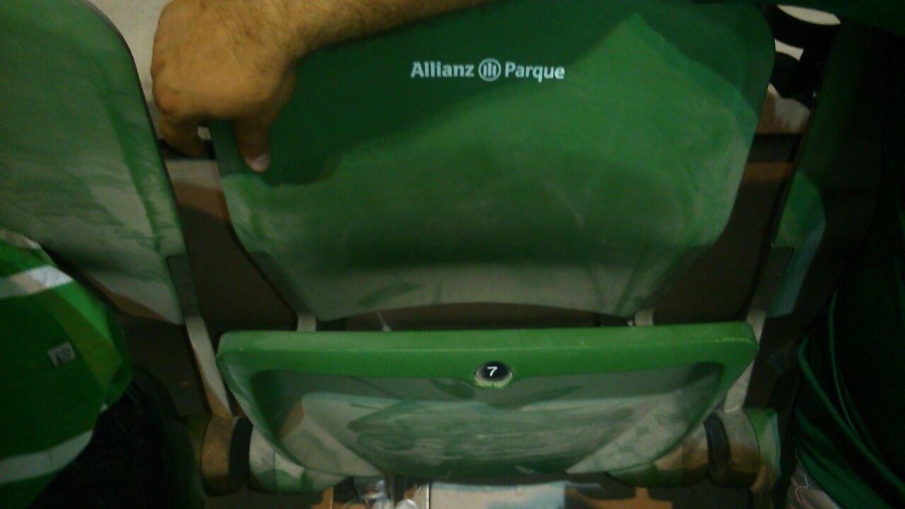 Torcedor comprou ingresso, mas ficou sem cadeira na Allianz Parque