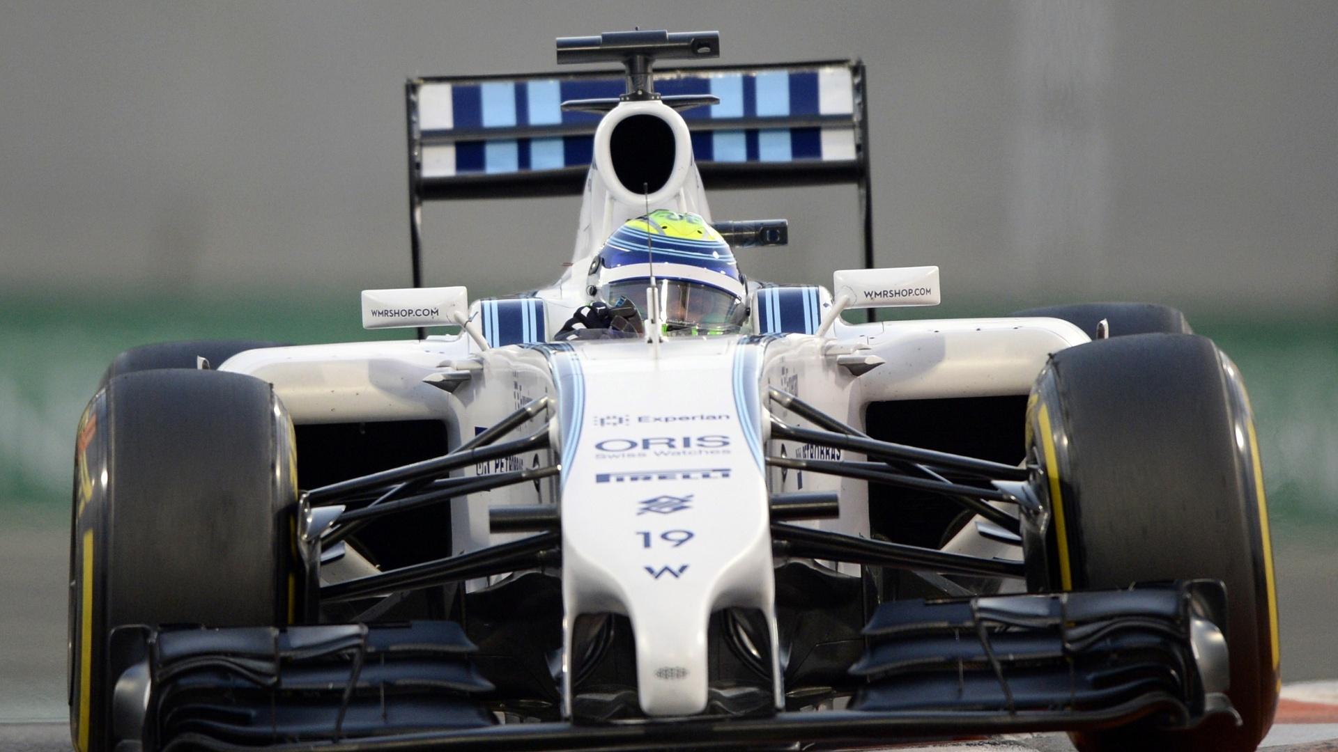21.nov.2014 - Felipe Massa contorna uma das curvas do circuito de Yas Marina durante os treinos livres para o GP dos Emirados Árabes