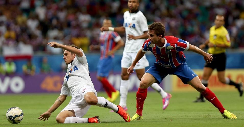 Bady escapa da marcação do Bahia na Arena Fonte Nova