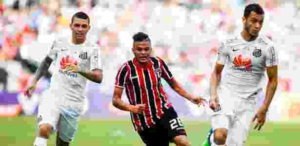 Auro é das categorias de base do São Paulo - Alexandre Schneider / Getty Images