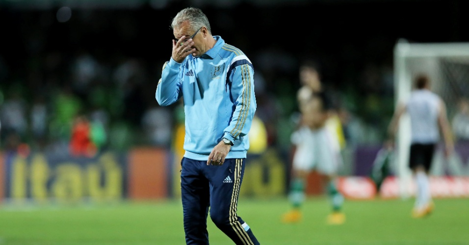 Técnico Dorival Júnior lamenta nova derrota do Palmeiras no Campeonato Brasileiro