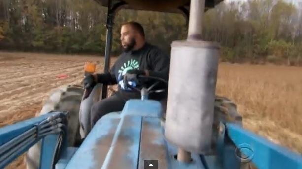 Jason Brown. ex-jogador de futebol americano e agora fazendeiro