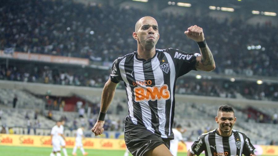 Diego Tardelli sai para comemorar após marcar o gol do título do Galo na Copa do Brasil - Bruno Cantini/Atlético-MG