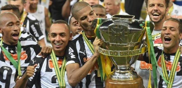 Idade não pesa e Léo Silva é hoje um dos jogadores mais atuantes do Atlético-MG
