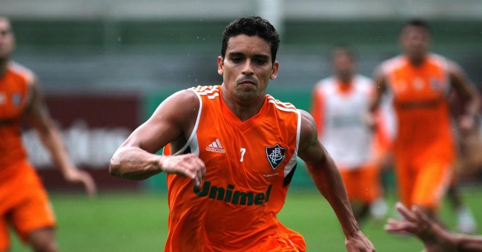 27.nov.2014 - O volante Jean treina nas Laranjeiras com o Fluminense