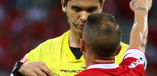 Atlético-MG pede que Ricardo Marques Ribeiro seja afastado do quadro de arbitragens - Lucas Uebel/Getty Images