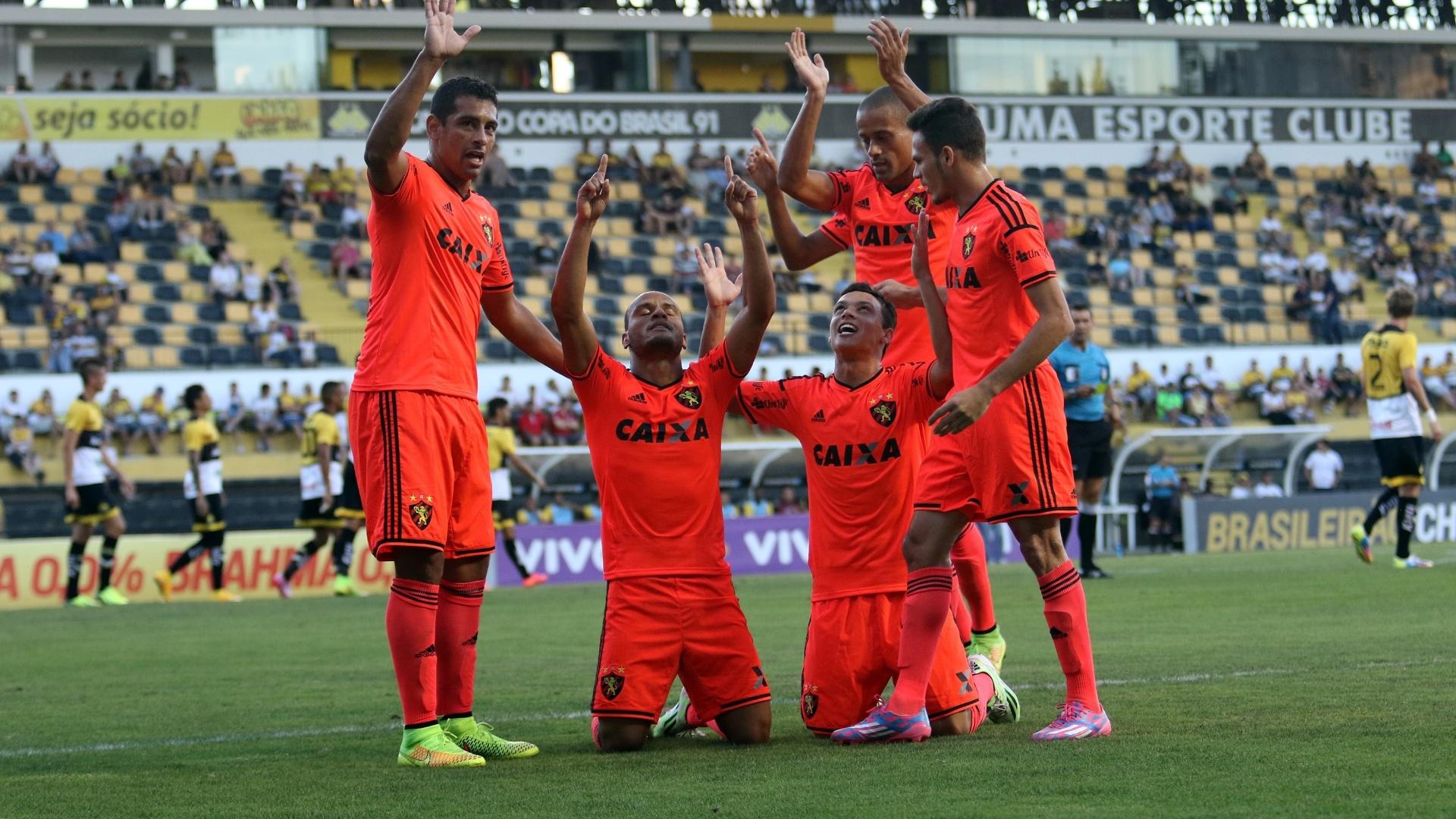 Patric comemora gol, o primeiro do Sport no jogo fora de casa contra o Criciúma