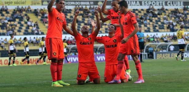 """Patric está agradecido com a nova chance de jogar no Atlético-MG e usa lema da torcida: """"Eu Acredito"""" - Cristiano Andujar/Getty Images"""