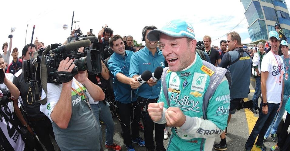 30.11.2014 - Rubinho faz festa nos boxes após conquistar o título da Stock Car