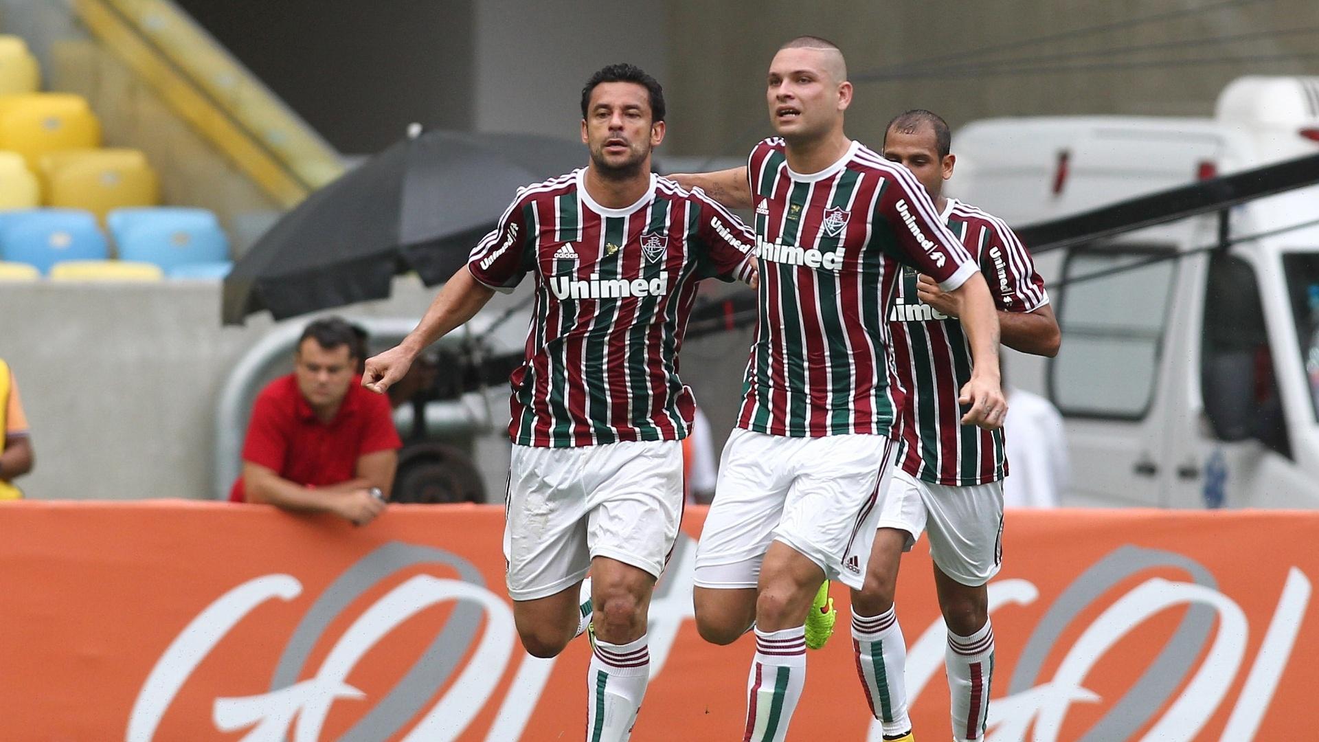 Fred comemora gol do Fluminense, marcado pelo volante corintiano Ralf