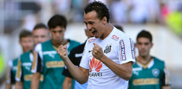 Leandro Damião está emprestado ao Flamengo, mas tem vínculo com o Santos