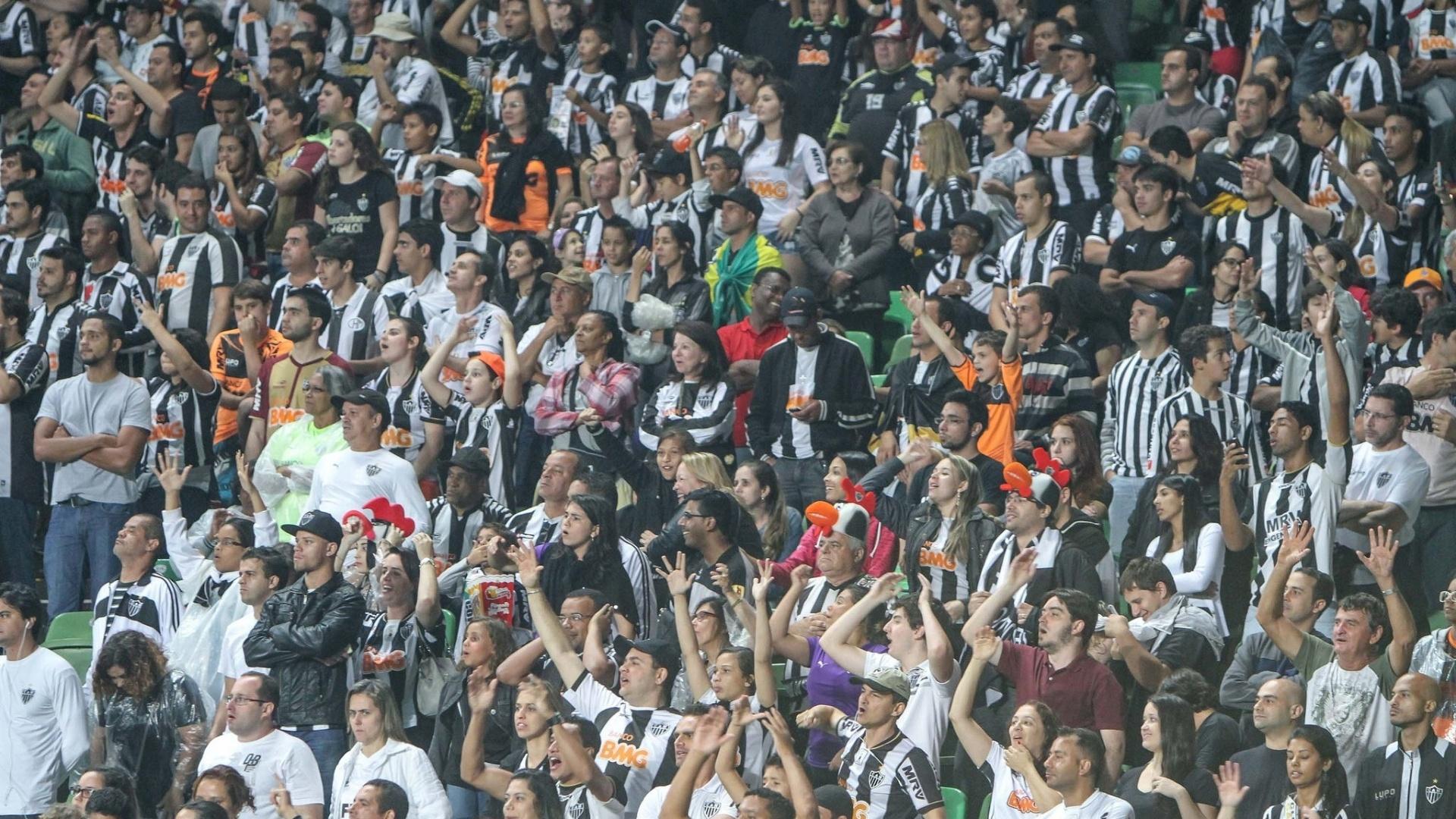 Torcida do Atlético-MG lotou o Estádio Independência para partida de festa contra o Coritiba