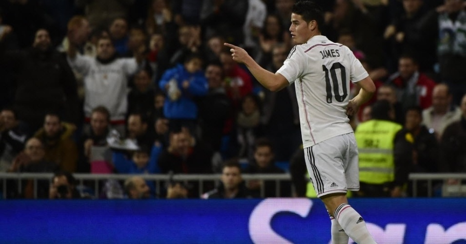James Rodriguez sai para comemorar ao abrir o placar para o Real Madrid contra o Cornellà