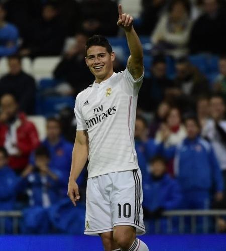 James Rodriguez sorri após abrir o placar para o Real Madrid contra o Cornellà