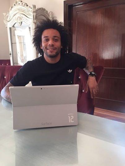 Marcelo responde a perguntas de fãs pelas redes sociais