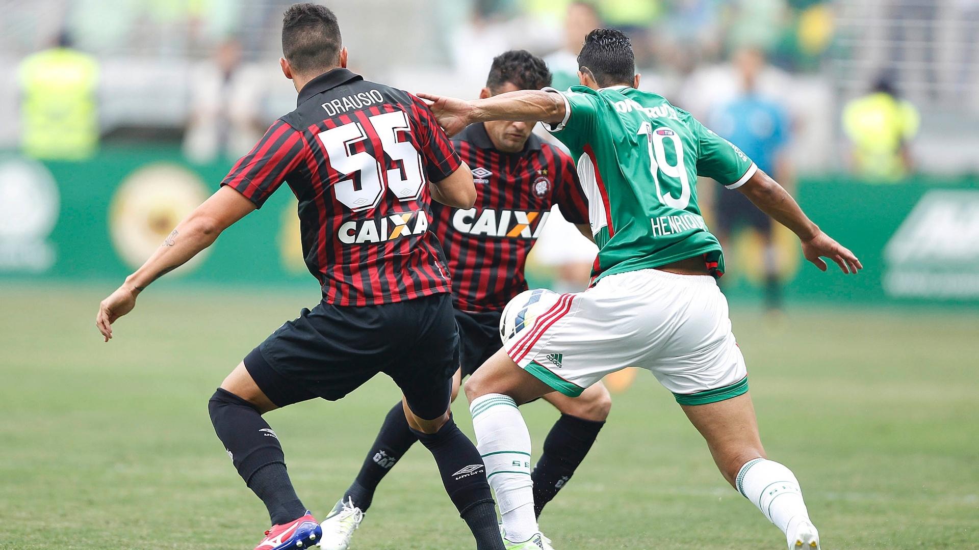 Atlético-PR saiu na frente, mas Henrique igualou a partida
