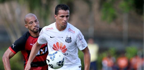 Atacante negocia com Inter e também tem duas sondagens de fora do Brasil
