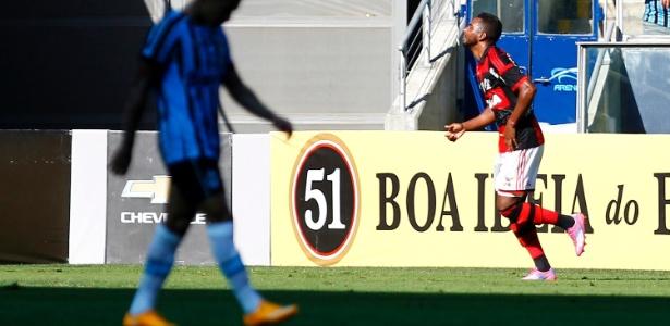 Luiz Antônio pertence ao Fla, com quem tem contrato até dezembro de 2016