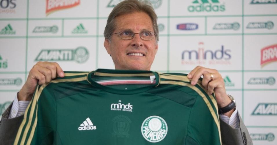Oswaldo de Oliveira é apresentado pelo Palmeiras