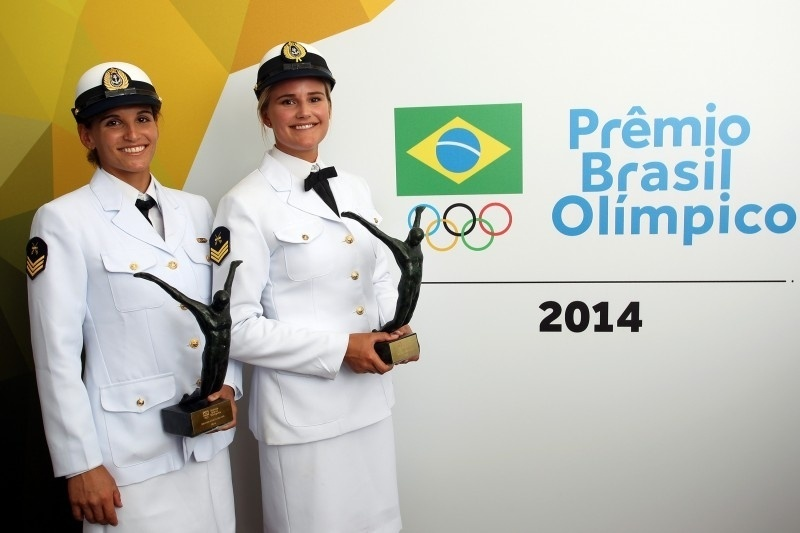 """Martine Grael e Kahena Kunze ficaram com o troféu """"Atleta do Ano"""" no Prêmio Brasil Olímpico 2014"""