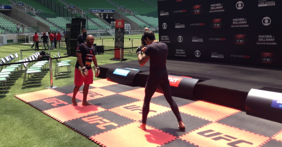 Erik Silva realiza trabalho durante treino aberto do UFC Barueri