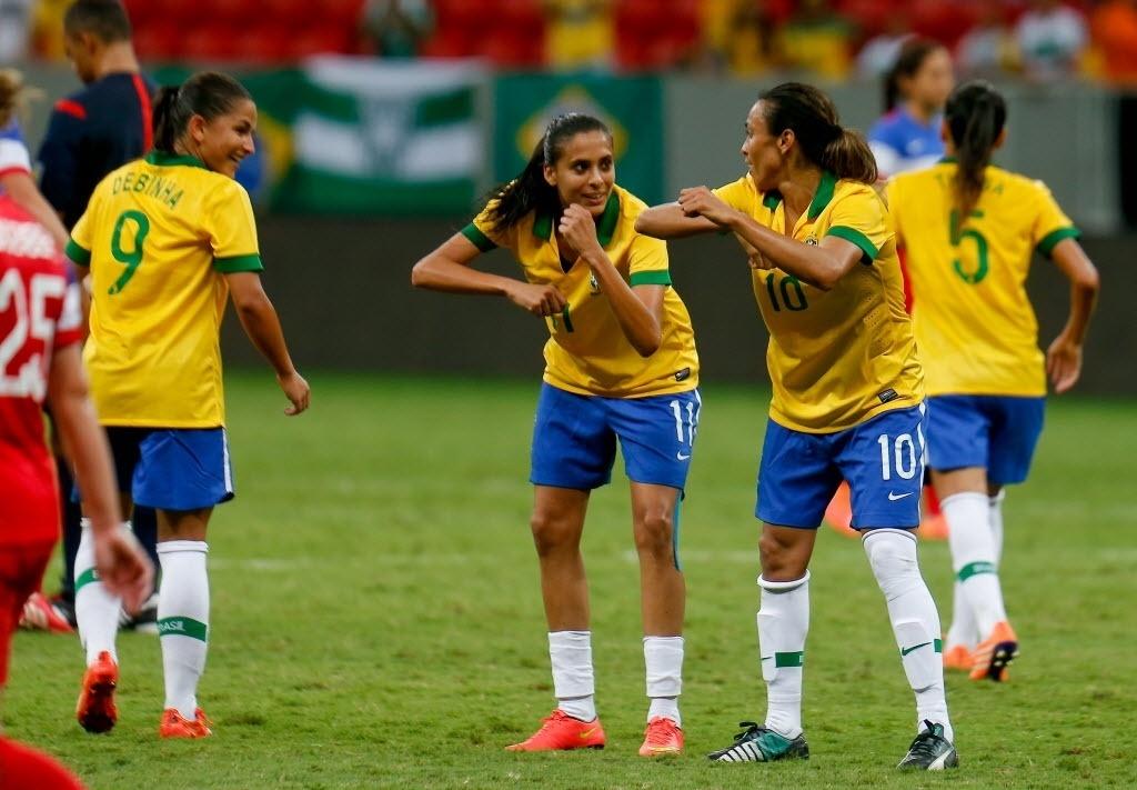 Marta celebra um de seus 3 gols marcados na partida contra os EUA, em Brasília, pelo Torneio Internacional de Futebol Feminino