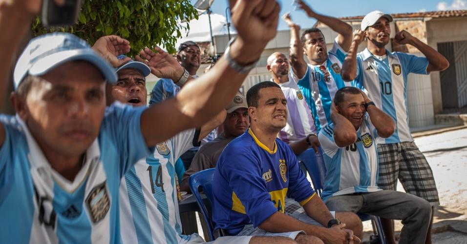 No meio de um mar brasileiríssimo de canaviais, surge uma cidade que se fez nas cores do rival número 1 quando se fala de futebol. A pernambucana cidade de Buenos Aires é uma contradição em celeste e branco