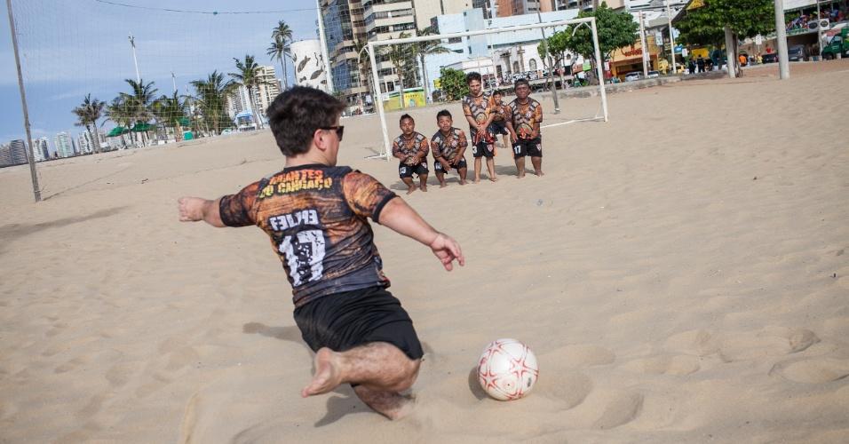Fortaleza foi a sede preferida da seleção brasileira durante a Copa, com dois jogos por lá (contra México e Colômbia). Mas a capital cearense também é a sede do melhor time de futebol composta apenas por portadores de nanismo