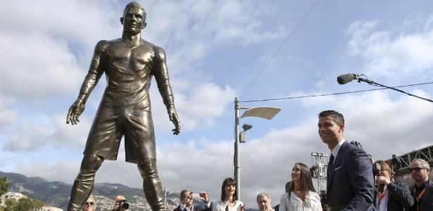 Katia Aveiro disse que vândalos de estátua de CR7 (foto) deveriam estar na Síria