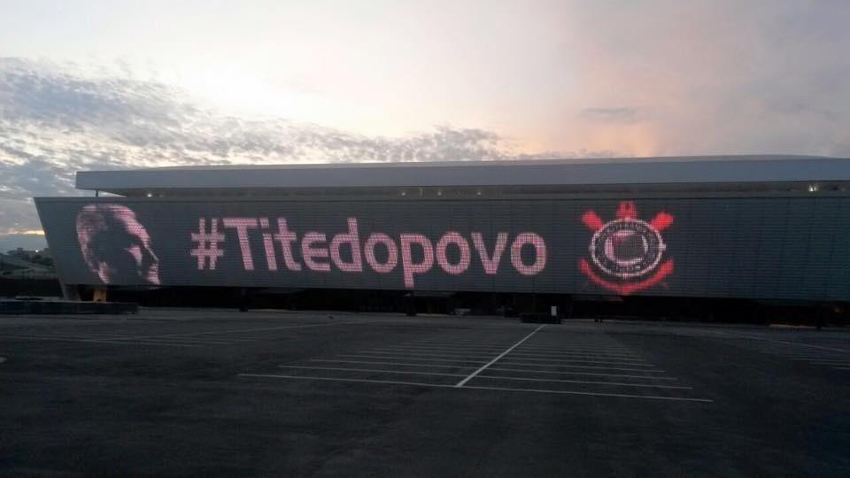 Itaquerão fez homenagem a Tite por retorno ao Corinthians