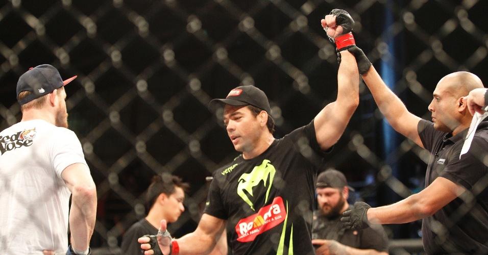 Na entrevista após a luta, Lyoto pediu o cinturão