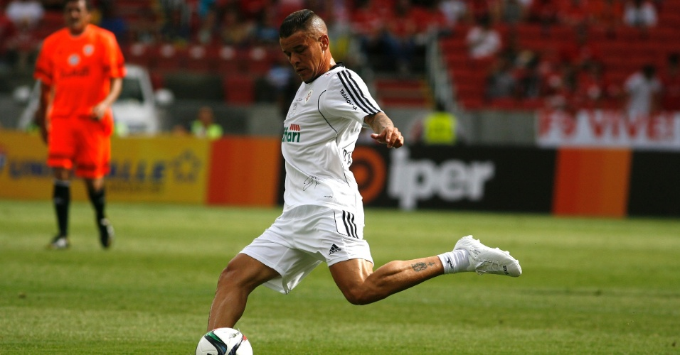 27 dez 2014 - D'Alessandro participa de jogo amistoso no estádio Beira-Rio