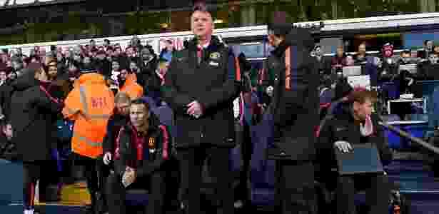 Jornal afirma que Van Gaal só não foi demitido por conta da alta multa rescisória - Michael Regan/Getty Images